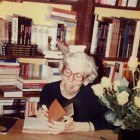 Welty at her first public book signing at Lemuria Books in 1980.