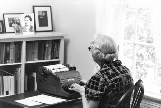Welty at typewriter
