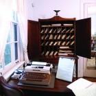 22_typewriter-secretary